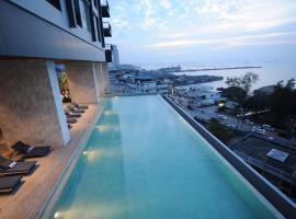Hotel near Si Racha