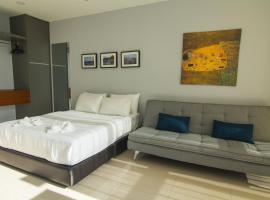 Hotel photo: Pinnacle Suites, Petaling Jaya