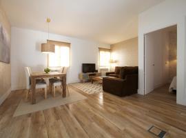 A picture of the hotel: Apartamentos El Garaje