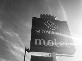 A picture of the hotel: Monarch Motel