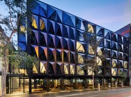 Hotel photo: West Hotel Sydney, Curio Collection by Hilton