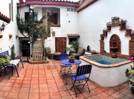 Hotel photo: Spanish Courtyard Apartments