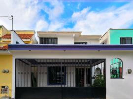 A picture of the hotel: Frida Kahlo Cancún Vacacional