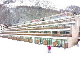 Hotel Photo: Nira Alpina