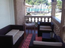 Fotos de Hotel: piso chalet en playa samil
