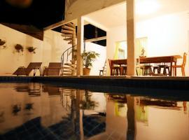호텔 사진: Casa do Sol - Pousada Share House