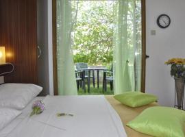 Hotel photo: Apartment Kampor 11878a