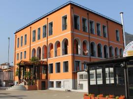 A picture of the hotel: hotel socrate