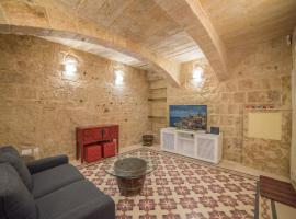 酒店照片: Authentic Maltese Apt with Courtyard