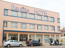 A picture of the hotel: Bayside Hotel 100 Pixley Kaseme Street ( West Street )