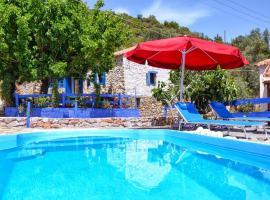 Hotel photo: Leonidio small hause with swimming pool