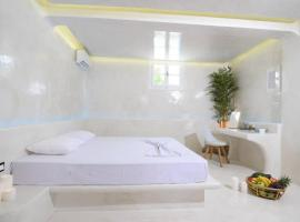 Hotel photo: Unique Mykonos 52m²Luxury Apartment Sea side Ornos