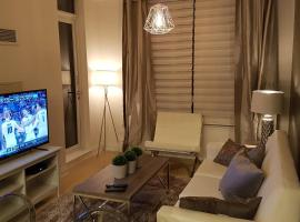 Hotel foto: Luxury Condo with Parking in the Heart of Markham