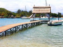 Fotos de Hotel: Beach Front Villa With Private Pool