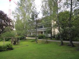 호텔 사진: Bright one-bedroom apartment with good transportation links in Niittykumpu, Espoo (ID 803)