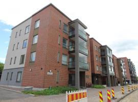 Hotel foto: A spacious one-bedroom apartment in good condition in Järvenpää. (ID 8787)