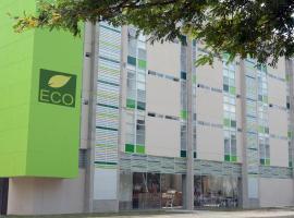 होटल की एक तस्वीर: Eco Star Hotel