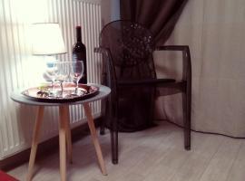 Hotel photo: Decosuite Junior Apartments