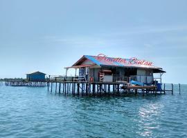 A picture of the hotel: Kelong Traveller Bintan