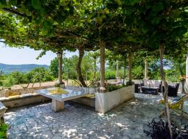 Hotel kuvat: Holiday Home Field of Olives