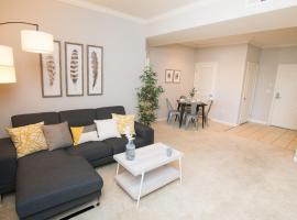 Hotel photo: CALIFORNIA Deluxe Suite | 2BD/2BT | FREE PARKING | POOL !