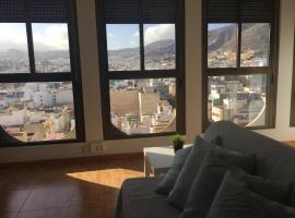 A picture of the hotel: Apartamento con balcon al mar centro Santa cruz