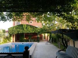 A picture of the hotel: Baku Villa Novxani