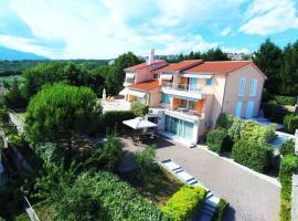 Photo de l'hôtel: Apartment in Villa Azra