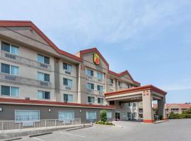 Hotel photo: Super 8 by Wyndham Abbotsford BC