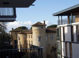 Hotel photo: BAYONNE CATHEDRALE T3 60m2 NEUF parking ascenseur