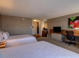 Hotel near كندا