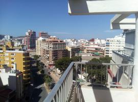 Hotel photo: Galeon, 10º-75 (Atico)