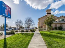 A picture of the hotel: Studio 6 Bakersfield