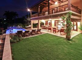 A picture of the hotel: A Beach Villa Three Bedroom Villa