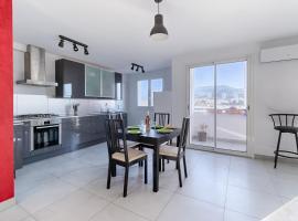 Foto do Hotel: ENTRE CALANQUES ET VILLE - Appartement de 70 m2