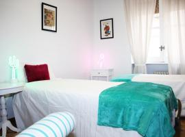 A picture of the hotel: Beautiful and bright apartment Barrio Salamanca