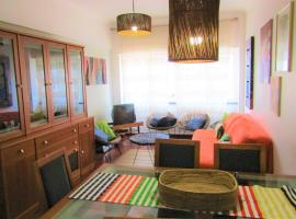 Hotel photo: Cozy Apt. - 1 km from beach - 15 min from Lisbon