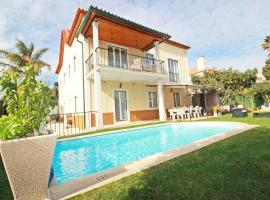 A picture of the hotel: VillaPalmeira Sintraguest