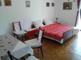 Hotel photo: Studio Stari Grad 14888a