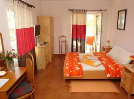 Hotel Photo: Triple Room Sveta Nedilja 14967a