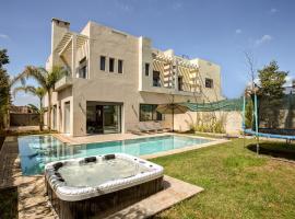 Hotel photo: Villa de Luxe avec Piscine Privee
