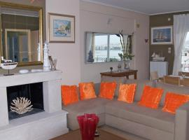 Hotel photo: Three-Bedroom Apartment-Piraeus