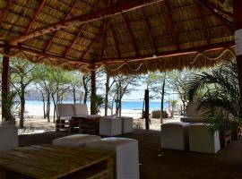 A picture of the hotel: Cascada Hostel & Beach Bar