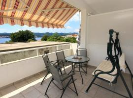 Hotel photo: Apartment Kuciste - Perna 10154c