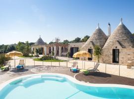 酒店照片: Luxury Trulli Ericla With a Pool