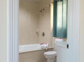 Hotel photo: Belle View 1 Bedroom Suite