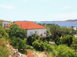 Hotel photo: Apartment Kuciste - Perna 4539a