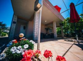 Hotel photo: Apartment Podstrana 14982a