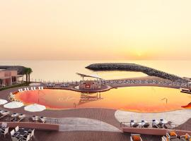 Hotel photo: Fairmont Fujairah Beach Resort
