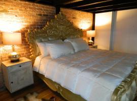 ホテル写真: 2 TEAM APARTMENTS 27 PEOPLE 14 BEDS